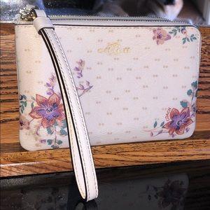 🌸 Coach floral wallet